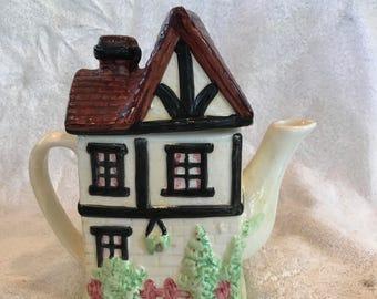 Ceramic Tea Room Teapot