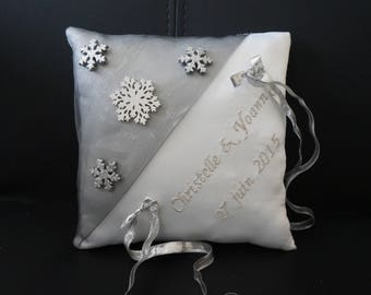 Winter snowflake theme cushion