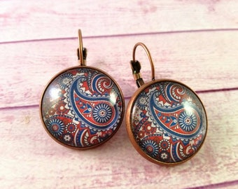 Cameo Paisley Earrings