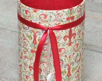 (No. 157) pencil holder floral red & beige