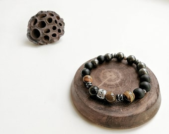 Unisex bracelet with tiger eye, shungite and Hematite beads with charms silver 925.