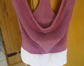 Very pretty neck loose knit and crochetet woman tank top