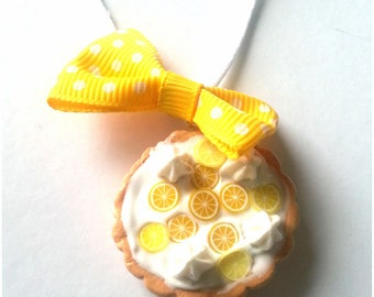 Pie necklace Fimo knot with lemon yellow