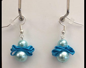 Earrings glass beads and turquoise satin