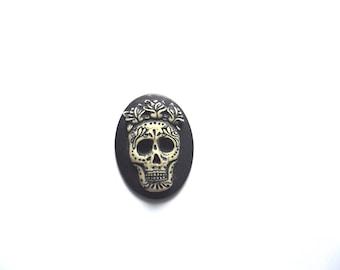 1 skull cabochon 30 x 40 mm