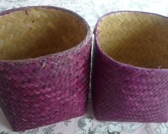 Lot 2 small baskets dyed violet