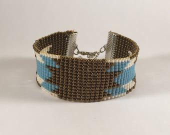 Bracelet weaved in pearls miyuki stars
