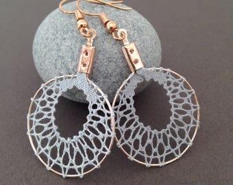 """Earrings """"scale"""" in light grey bobbin lace, lace earrings, hand made bobbin lace earrings"""
