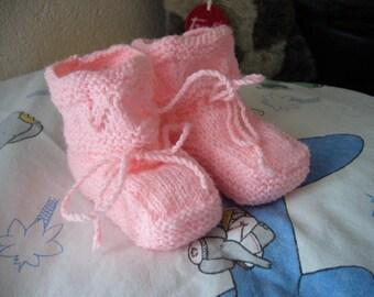 Little Happy Baby booties