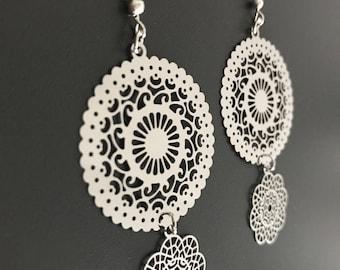 Nice pair of Silver earrings