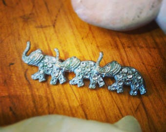 VINTAGE BROOCH with three Indian elephants of Rhinestones, years ' 60