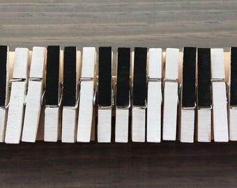 Piano Keys Memo/Photo Holder