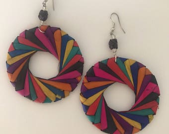 Beautiful Mexican handrafted straw earrings.