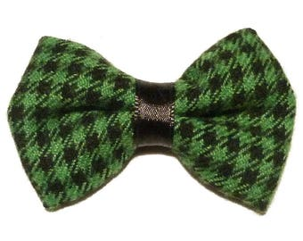 Brooch green bowtie and black gingham style british