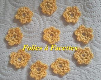 Lot de Fleurs au crochet  en coton jaune d'or