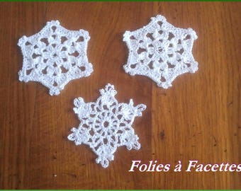 Christmas decorations: Crochet cotton with 3 white stars
