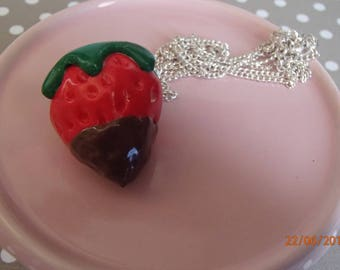 Dark chocolate grout Strawberry necklace
