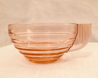 Set of four vintage French pink art deco style glass coffee cups
