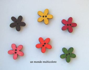 6 wooden flower, 2 hole sewing, scrapbooking buttons 19 x 20 mm