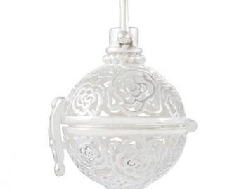 x 1 pendentif cage de Bali Bola Mexicaine motif fleur pour bille d'Harmonie Bébé en métal argenté 2,7 x 2,4 cm (O)