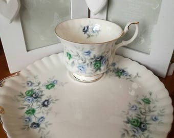 Royal Albert bone china tennis set, cup matching plate, floral design, teatime, afternoon tea, cake. Inspiration pattern.