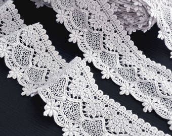 Haberdashery light flowing cotton guipure lace edge width 5.5 cm x 1 meter
