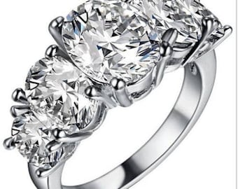 Silver Plated White Gems  Ring Size:7