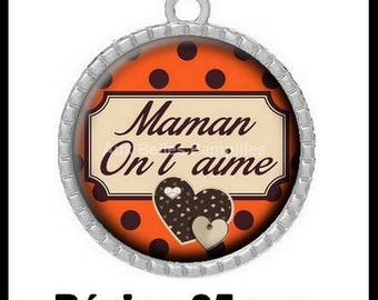 """Round Cabochon 25 mm epoxy resin pendant - """"MOM we love you"""" (970)"""
