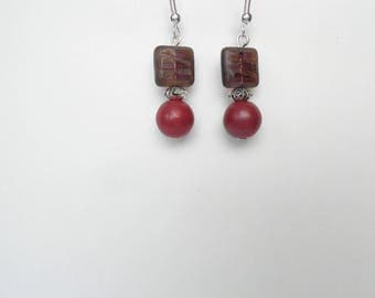 Square and round bead of Bordeaux glass earrings