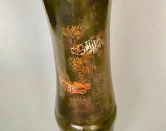 Delightful lacquer vase with goldfish
