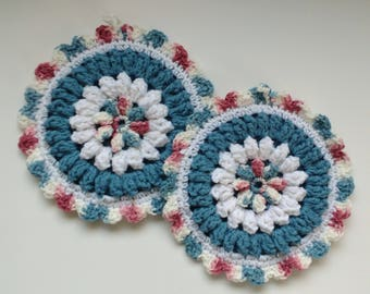 Blue and White Floral Hot Pad Set