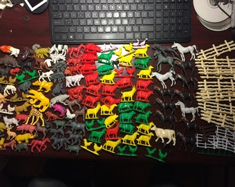 125 pieces Vintage Farm animals and other Mixed lot horses pigs chickens dogs fences and more