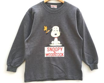 Snoopy Peanuts Sweatshirt Silver colour Big Logo Embroidery Sweat Medium Size Jumper Pullover Jacket Sweater Shirt Vintage 90's