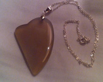 Abstract heart shaped agate pendant necklace