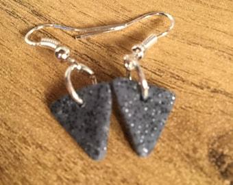 Grey glitter traingle clay earrings