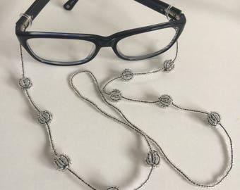 Elegant Beaded Glasses Chain
