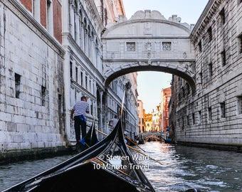 Venice, Bridge of Sighs. Doges Palace, gondola, canal, prison, water, lagoon
