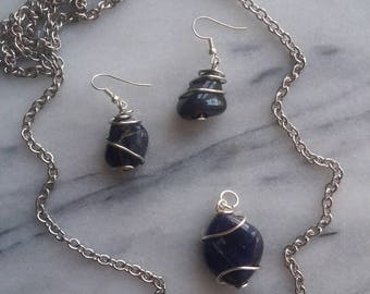 Blue Adventurine Jewelry Set. Wirewrapped Pendant and Matching Earrings.