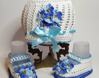 Amazing baby booties and hat for a girl
