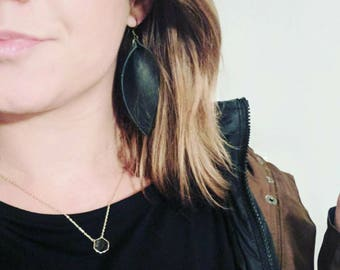 Genuine leather leaf earrings inspired by Joanna Gaines. Can also be used as diffusers!!