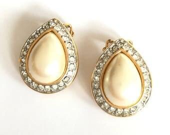 Vintage Pearl Crystal Halo Clip on Earrings
