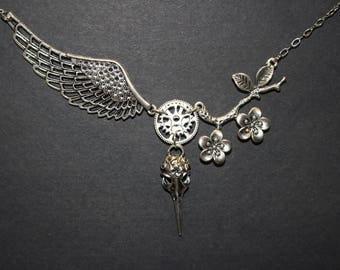 Freedom Collection Antic Silver Alloy Necklace 001