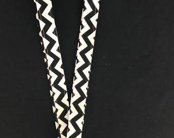 Black and white chevron print   lainyard