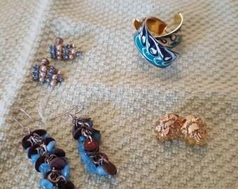 Four pairs of earrings