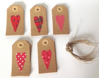 Red heart gift tags, set of 15 kraft hang tags, fabric and card handmade tags, product price tags, valentines gift wrapping, party favour