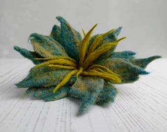 Felted Flower Brooch Kit - Green and Blue - Wet Felting Kit - Felt Flowers - Felting Kit - Merino Roving - Felting Instructions - Flower