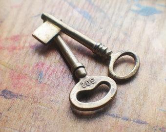 Antique Brass Skeleton Key Set - Railroad - Keys to Room 302