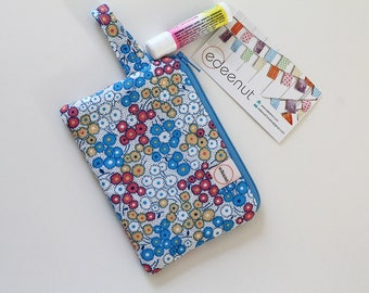 Small zipper pouch, pocket wallet, Change purse, earbud pouch, business card holder, Mini blue floral fabric coral, id holder, hand bag
