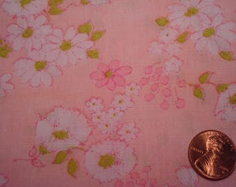 QUARTER YARD vintage Floral fabric PINK and white flowers Blythe doll dress sewing quilting