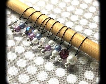 Snag Free Stitch Markers - Medium Set of 10 - Purple and White Glass Mix - M28 - Fits up to Size US 11 (8mm) Knitting Needles